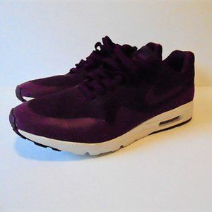 Nike Air Max 1 Ultra Moire in Mulberry